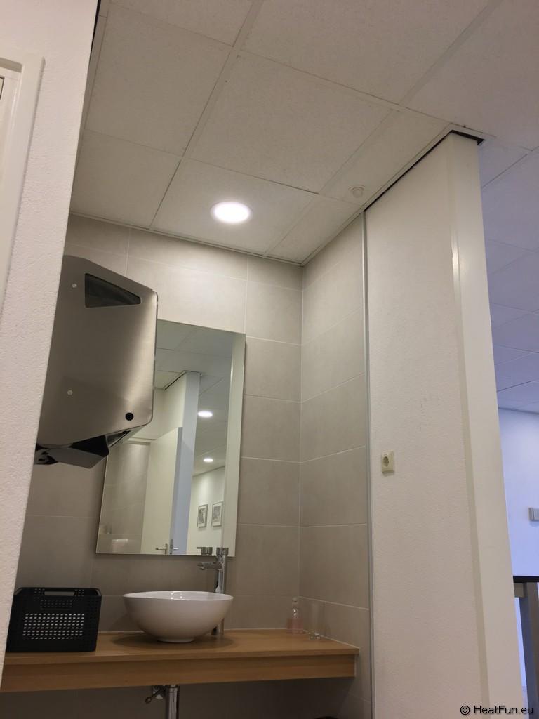 Beheizter Toilettenbereich durch Infrarot-Heizung